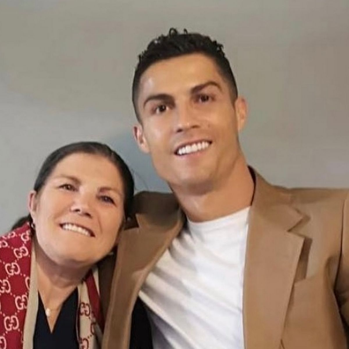 Cristiano Ronaldo's mother to persuade her son to return to Sporting Lisbon