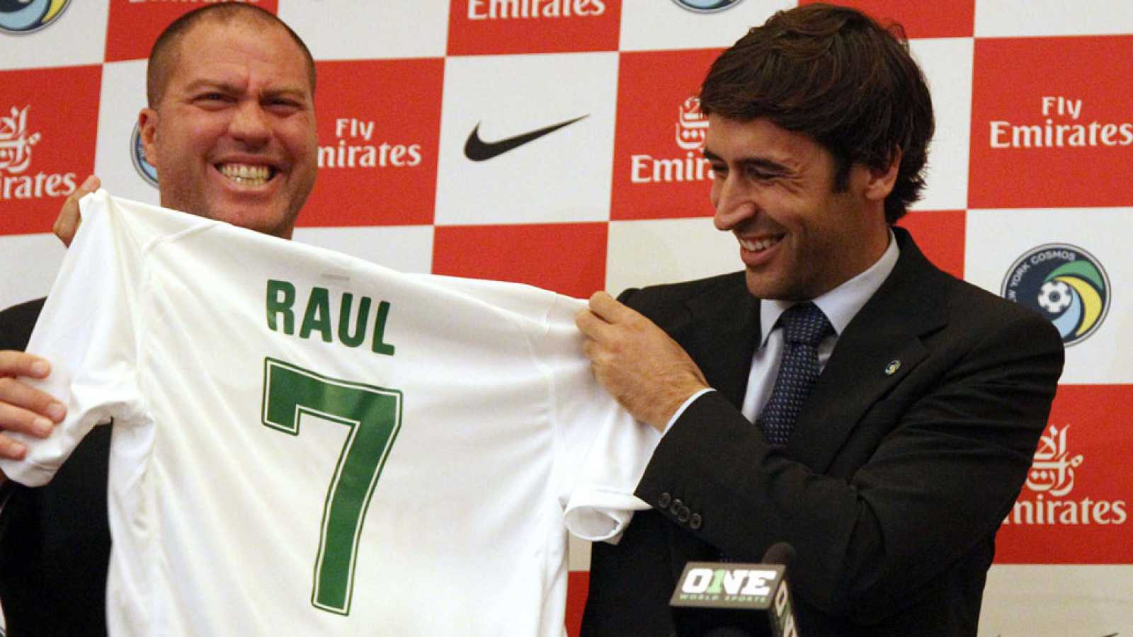 Real Madrid Coach : Raul is Real Madrid's priority if Pochettino fails to convince