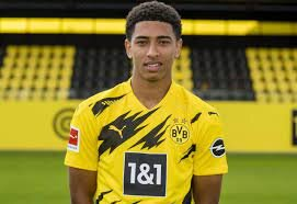 Borussia Dortmund offers a new contract to young talent Jude Bellingham